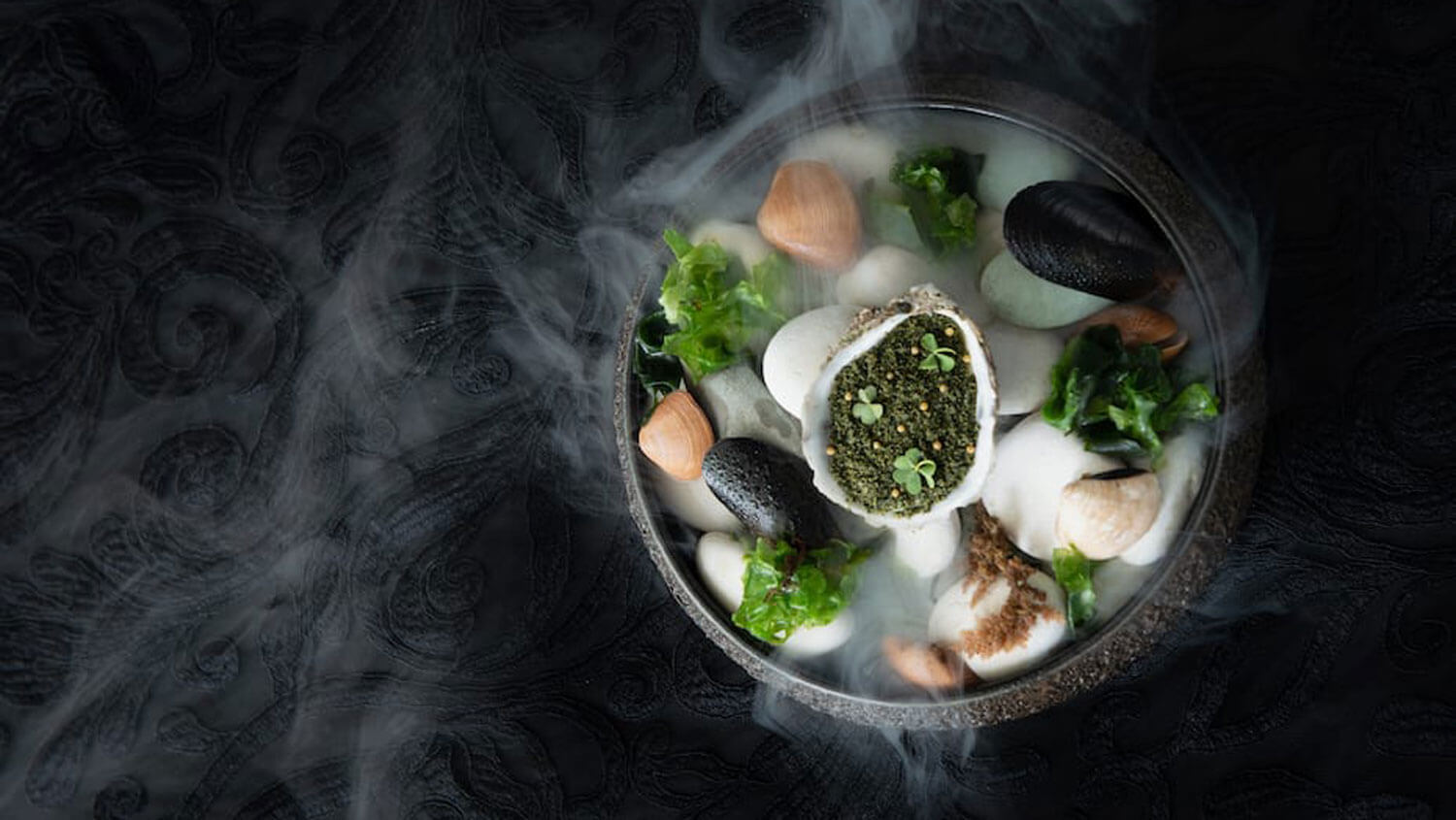 aperitif-restaurant-ubud-oyster-canapes-featured